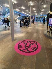 Branding-vloerstikkers IFFR - Forum Groningen - Monkey Squad