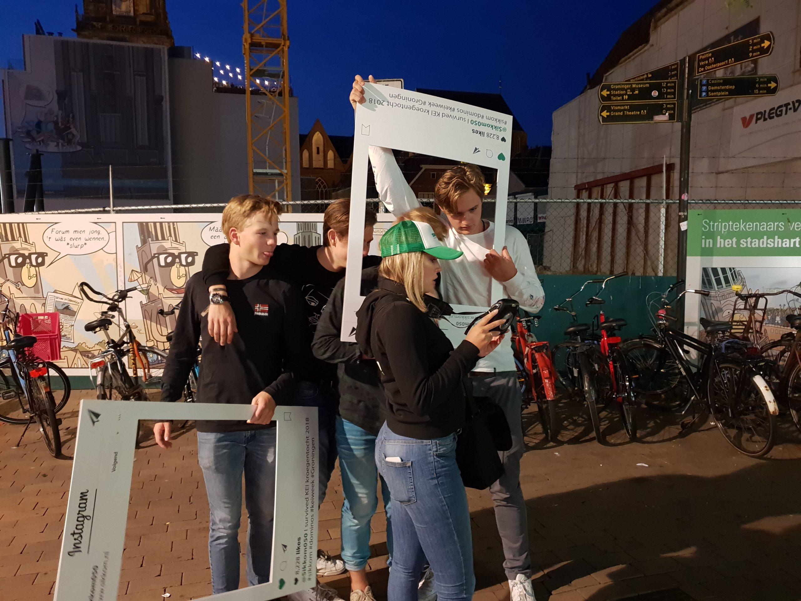 Sikkom - hostesses - promoteam - sampling - polaroid